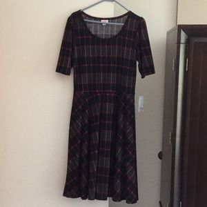 LULAROE NICOLE DRESS W/ POCKETS - L
